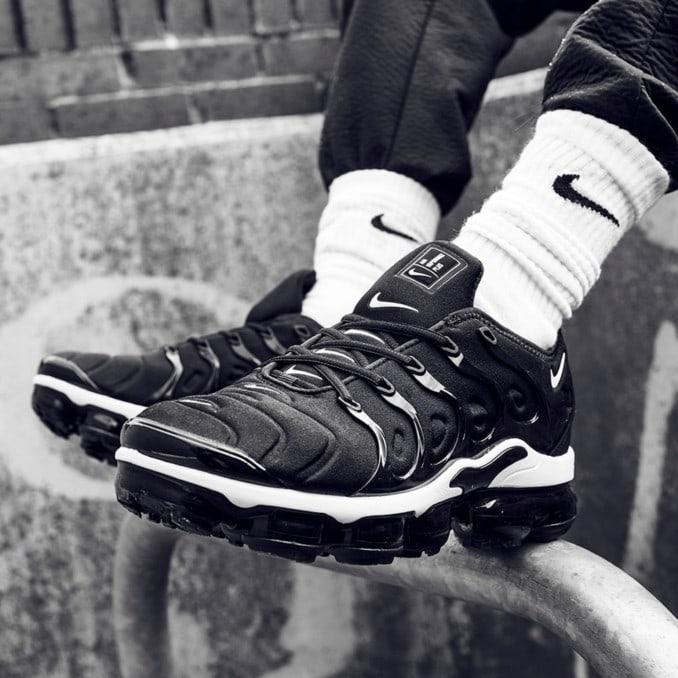 Nike Vapormax Plus negras de hombre