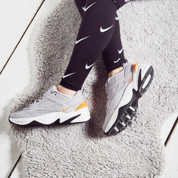 Nike M2K Tekno grises de mujer