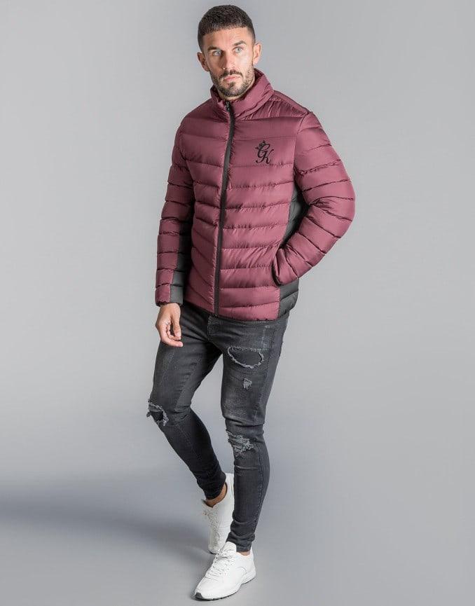 Hombre con chaqueta acolchada de Gym King