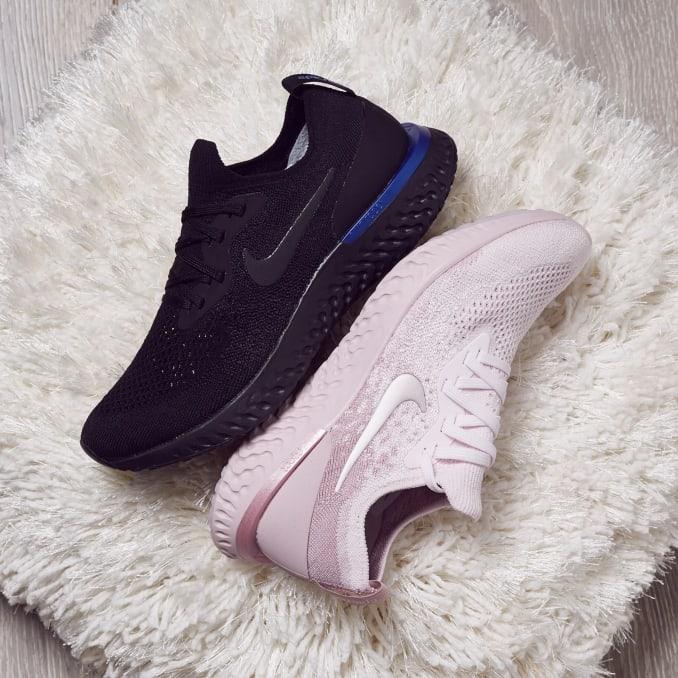 Scarpe da running Nike Epic React Flyknit nere e rosa