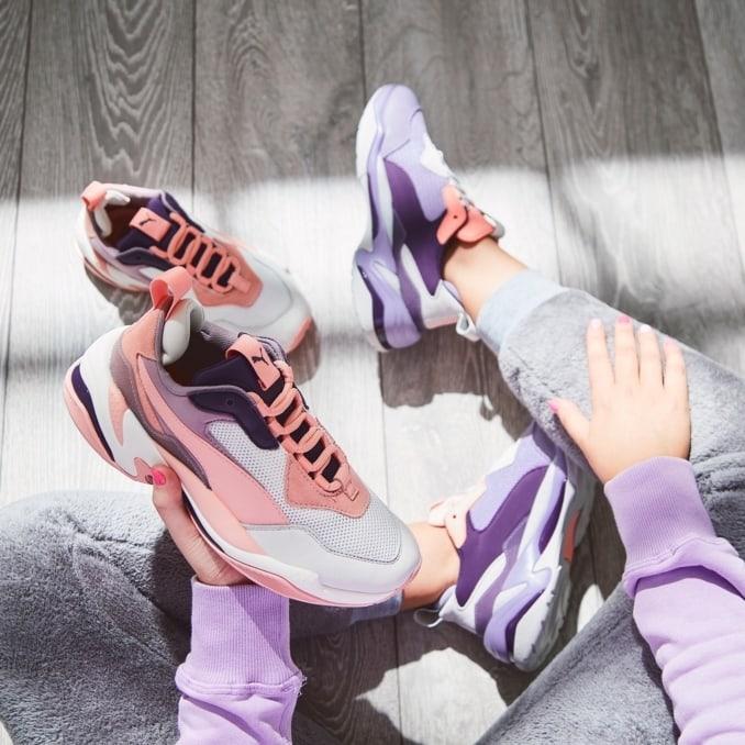 Varios modelos de zapatillas Puma Thunder Spectra para mujer