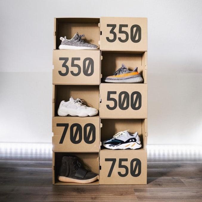 Zapatillas adidas Yeezy con cajas