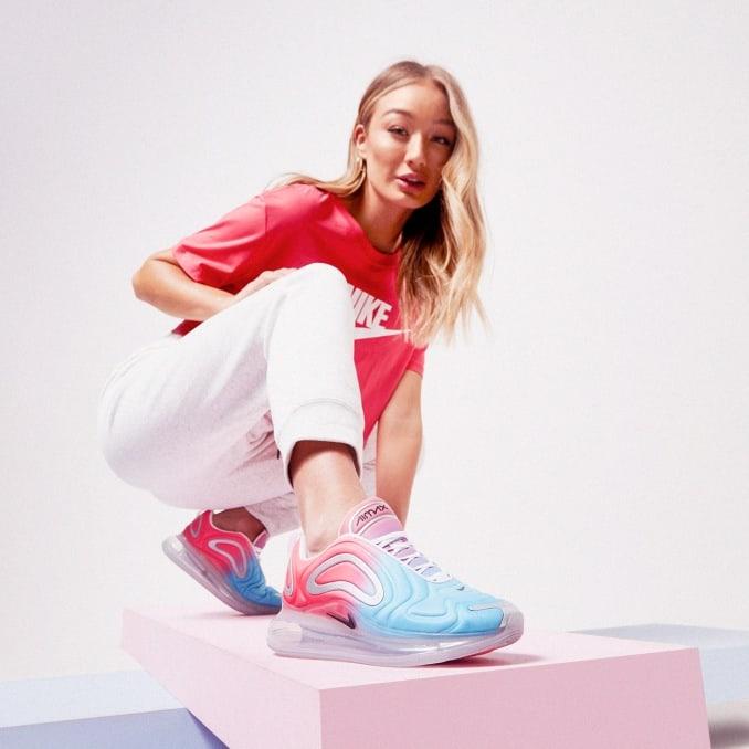 Nike Air Max 720 azules y rosas de mujer
