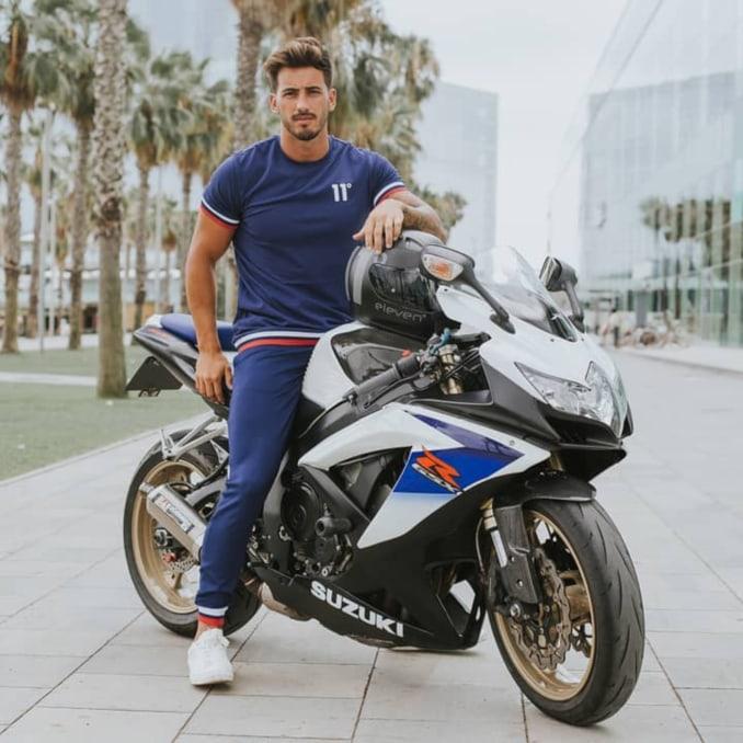 Iván González con moto