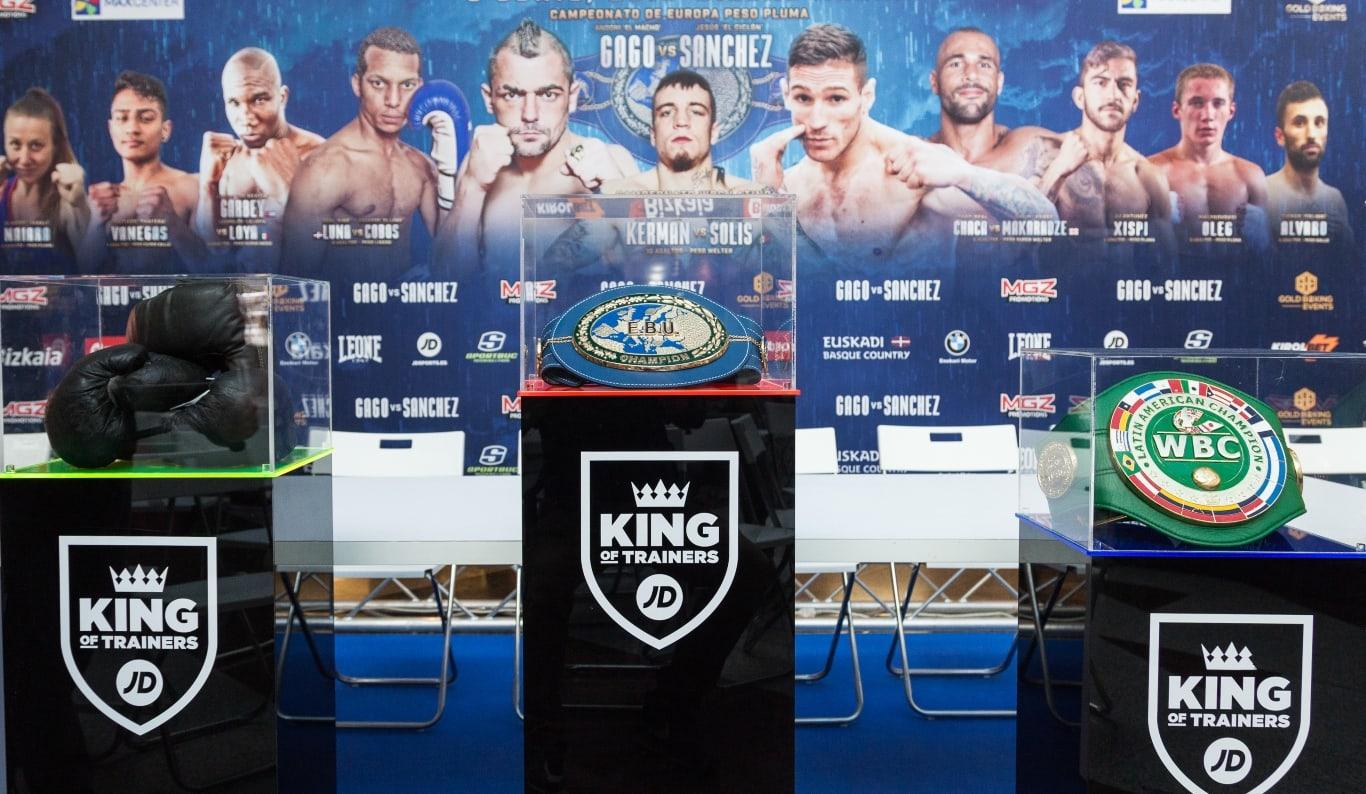 Los cinturones de boxeo de los títulos en juego