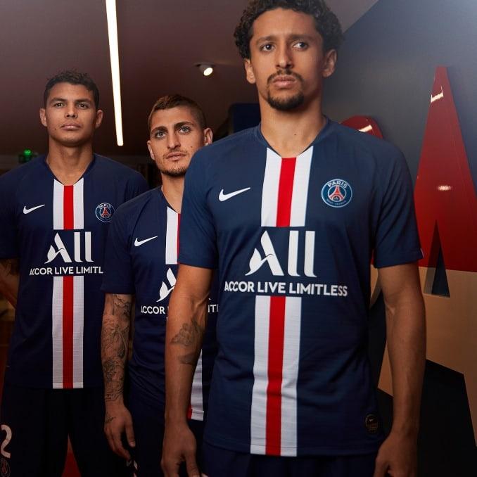 Jugadores del PSG con la camiseta 2019-20