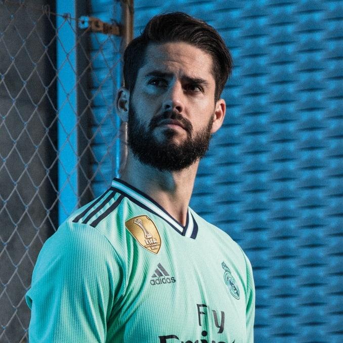 Isco con la tercera equipación 19/20 del Real Madrid