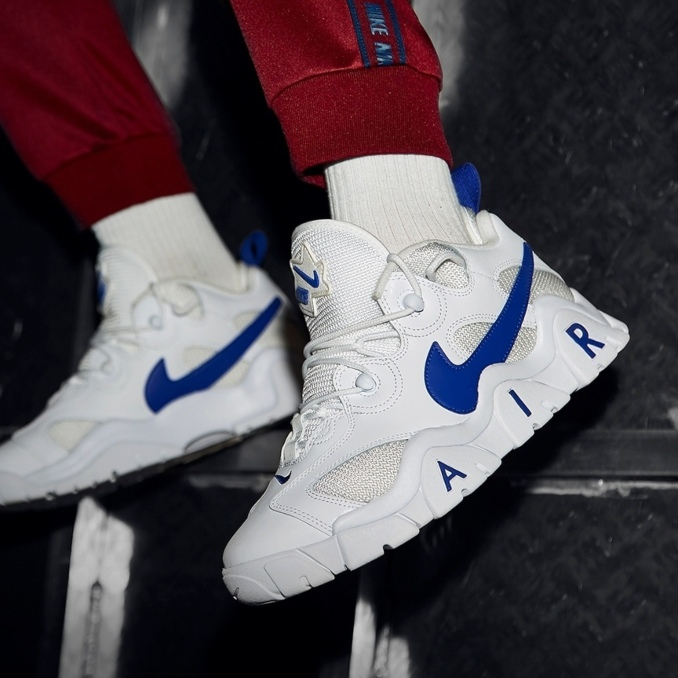 Nike Air Barrage Low blancas