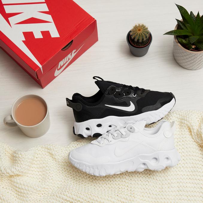 Кроссовки Nike Art3mis