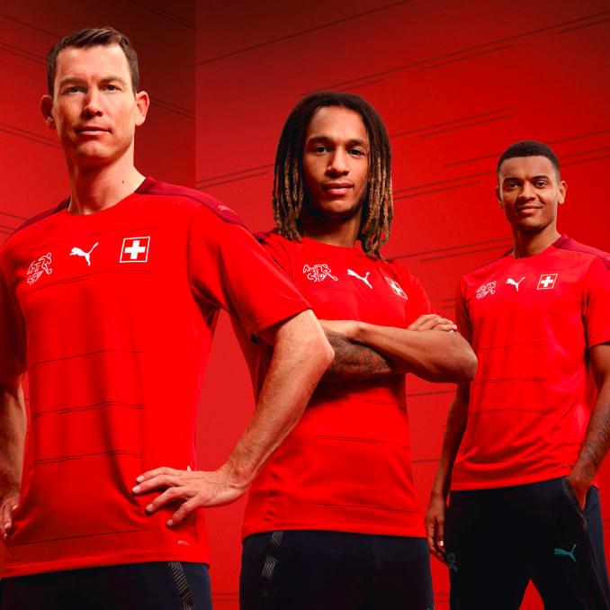 Jugadores de la selección de Suiza con la nueva equipación