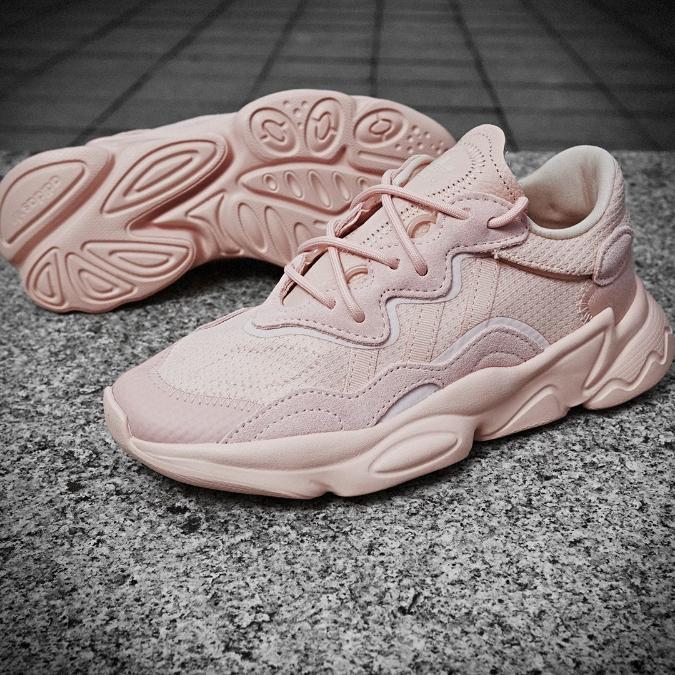adidas ozweego en color rosa