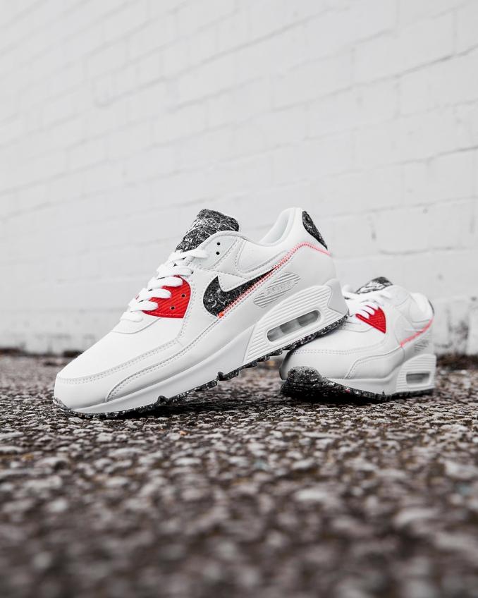 Nike Air Max 90 brancas e vermelhas