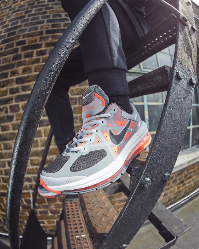 sapatilhas Nike air max genome on feet
